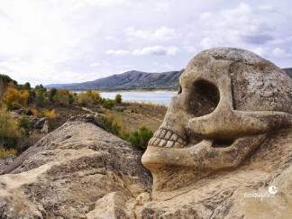 ecoquijote-ecoturismo-cuenca-embalse-buendia-ruta-de-las-caras-calavera